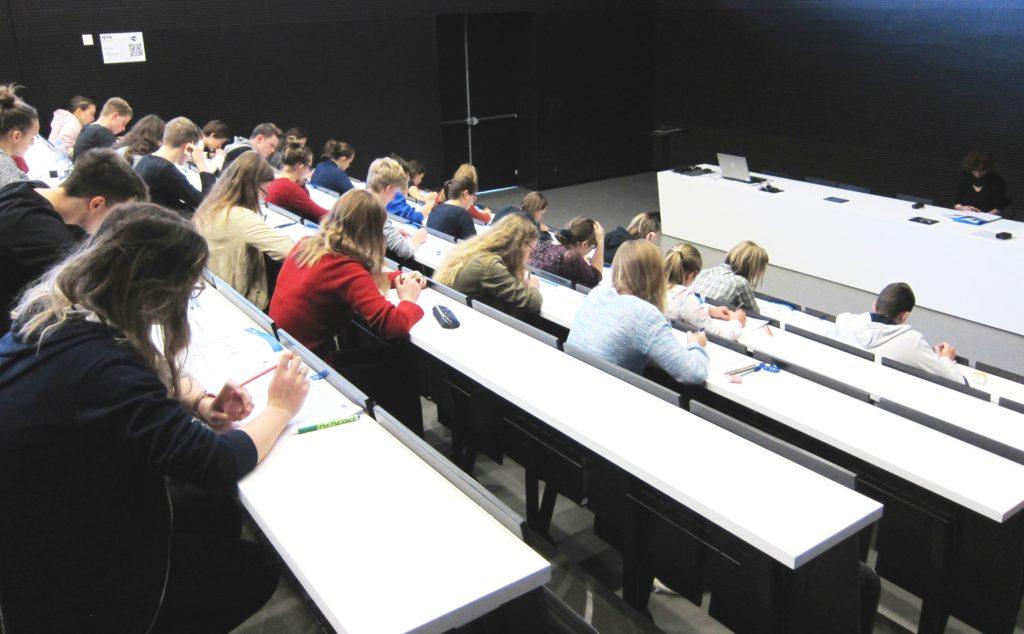 stredoskolaci-test